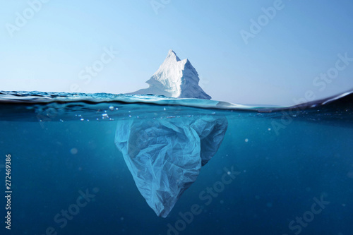 Photo Iceberg - plastic bag with a view under the water