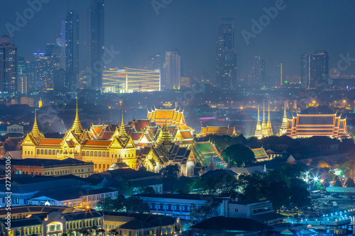 Photo Stands Bangkok Wat Phra Keaw, Wat Pho and Grand palace at night in Bangkok, Thailand