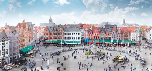 In de dag Brugge Grote Markt square in Brugge