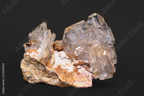 Photo Transparent barite crystals from Miraflores, Huamalíes Province, Huánuco, Peru