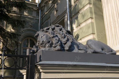 "Valokuva  Sleeping lion architectural ornament Von Reck Manor (also known as the Reck Mansion, ""House with Lions"") is a building on Pyatnitskaya Street"