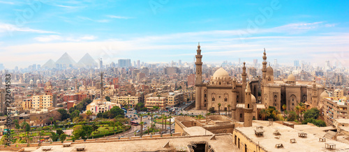 The Mosque-Madrassa of Sultan Hassan  in the panorama of Cairo, Egypt Fototapet