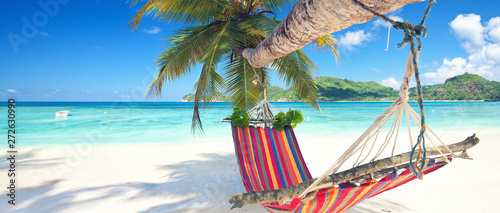 Deurstickers Tropical strand Urlaub in der Hängematte am Strand