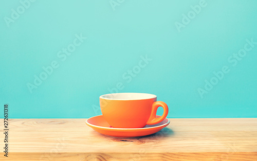 Photo sur Toile Cafe Inspiration creativity concepts with a cup of coffee on wood bar table background