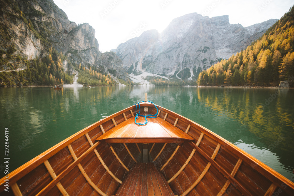 Fototapety, obrazy: Traditional rowing boat at Lago di Braies in the Dolomites