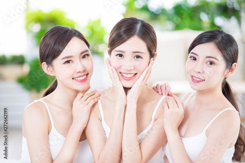 Obraz na plátně skin care asian women friend