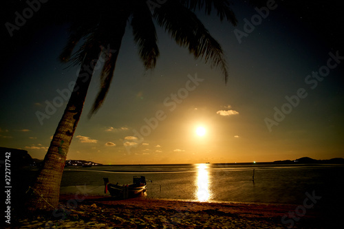 Door stickers Chocolate brown Nightscape moon at a tropical beach in Thailand
