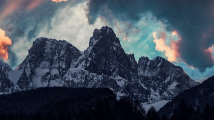 mountains clouds