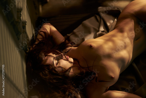 Poster womenART Beautiful nude woman with sexy body in home interior