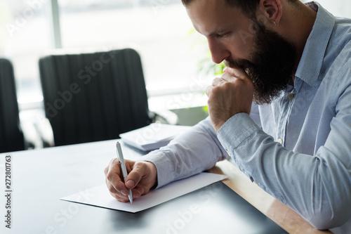Fotografía  Corporate life and paperwork