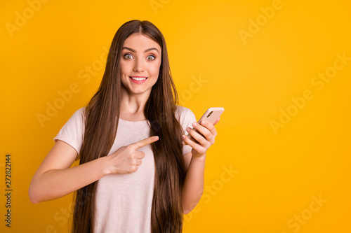 Pinturas sobre lienzo  Close up photo beautiful amazing she her lady very long hairstyle hold hands arm