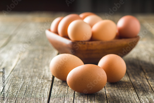 Foto op Plexiglas Kip Raw chicken eggs.