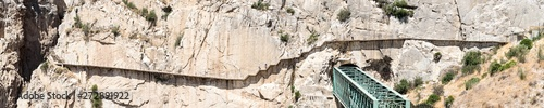 Photo El Caminito del Rey or the King's Little Pathway located in the province of Mala