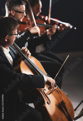 Fotografía Symphonic orchestra performing on stage