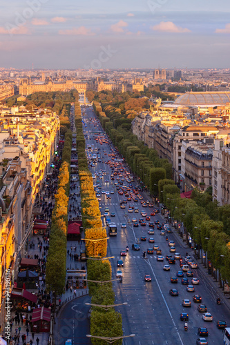 Photo View from top on Avenue des Champs-Elysees