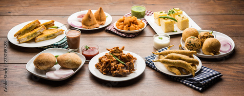Valokuva  Indian Tea time snacks  in group includes Veg Samosa, Kachori/kachaudi, aloo bon