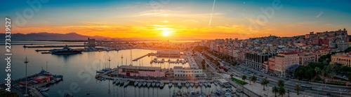 Photo  Panoramic view of Cagliari skyline at sunset.