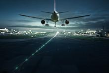 Flugzeug Landet Bei Nacht