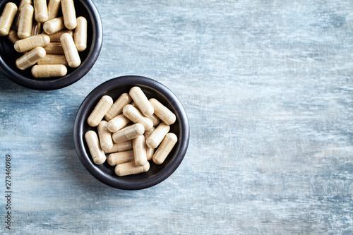 Stampa su Tela  Ashwagandha (Withania somnifera) capsules