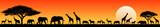 Zwierzęta afrykańskiej sawanny o zachodzie słońca. Sylwetki dzikich zwierząt afrykańskiej sawanny