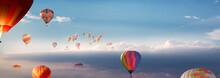 Viele Heißluftballons Fliegen...
