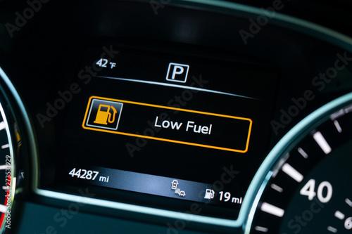 Fotografia, Obraz  almost out of fuel
