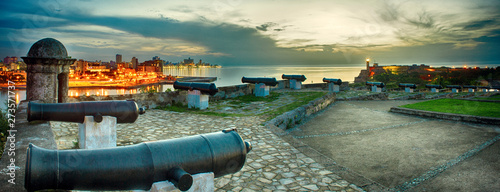 Fotobehang Havana panoramic view of the city of habana and its bay seen from the castle of morro at nightfall
