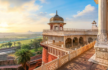 Agra Fort - Medieval Indian Fo...