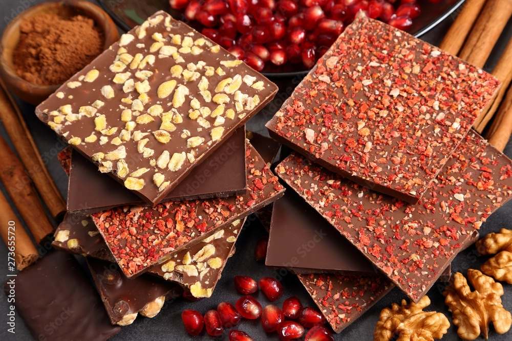 Fototapety, obrazy: Chocolates with nuts and fruit.