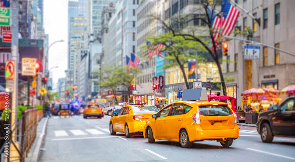 Fototapety, obrazy: New York, streets. High buildings, cars and cabs