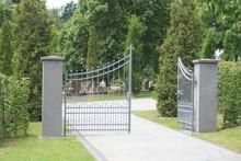 Friedhof, Friedhofseingang, Fr...