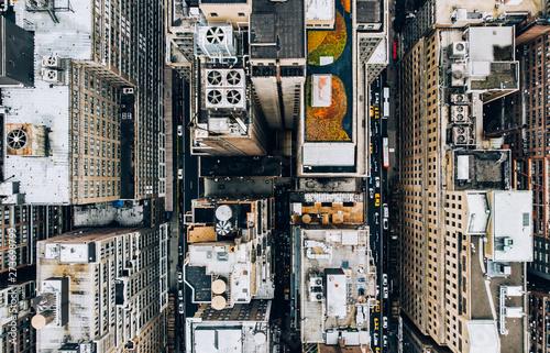 Fototapeta New York   widok-z-lotu-ptaka-centrum-nowego-jorku-z-dachami-budynkow-z-wiezami