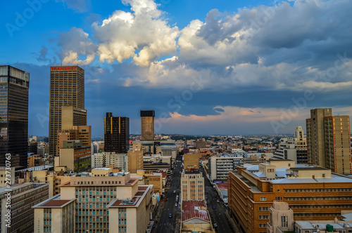 Fototapety, obrazy: Johannesburg city skyline and hisgh rise towers and buildings