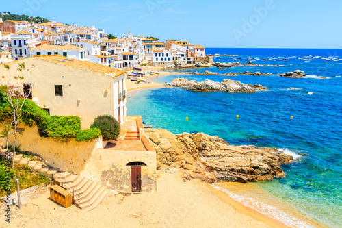 Valokuva Amazing beach in Calella de Palafrugell, scenic fishing village with white house
