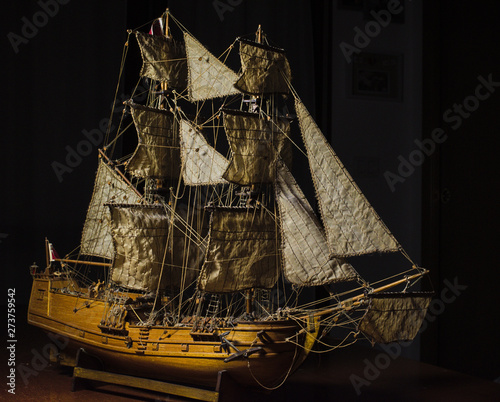 Vászonkép modeling: English brig - wooden sailing ship