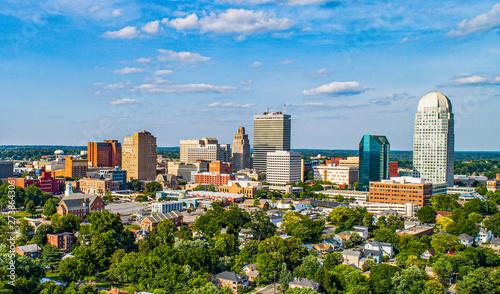 Fotomural  Downtown Winston-Salem, North Carolina NC Skyline Panorama