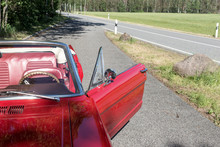 Old Red Ford Mustang Cabriolet...