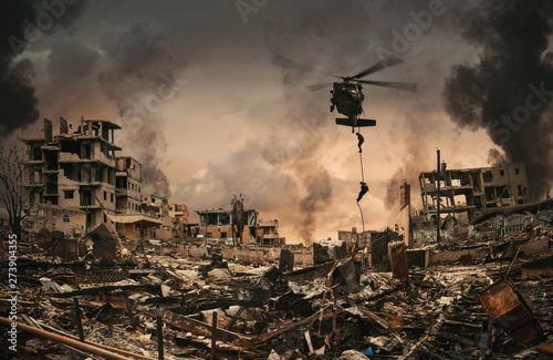 Pinturas sobre lienzo  Military Forces between smoke and ruins roping to destroyed city