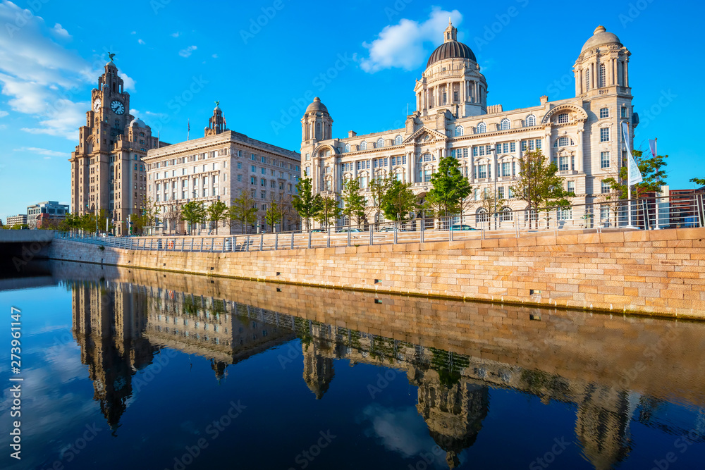 Fototapeta Liverpool Pier Head with the Royal Liver Building, Cunard Building and Port of Liverpool Building