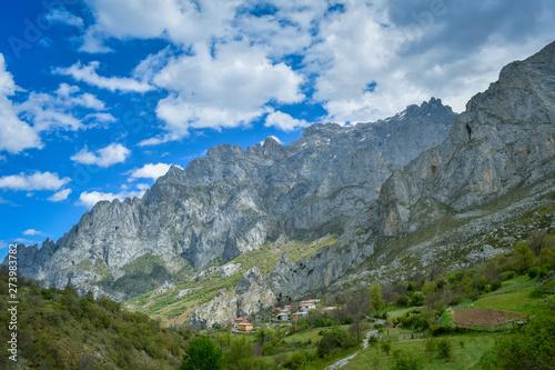 Foto auf Gartenposter Reflexion Landscape and village in Cares Trekking Route, Asturias