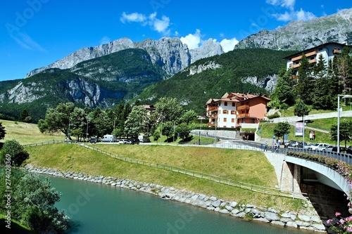 Fotografía Italy-a view on the Brenta from Molveno