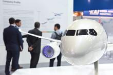 Avion Aviation Aeronautique Salon Exposition Presentation Foire Visiteur