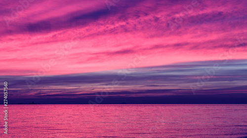 Fotobehang Roze Sunset ocean orange sky horizon