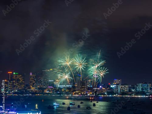 Photo Stands Night blue PATTAYA,CHONBURI, THAILAND : MAY 25,2019 : Pattaya International Fireworks Festival 2019 at Chonburi, Thailand.