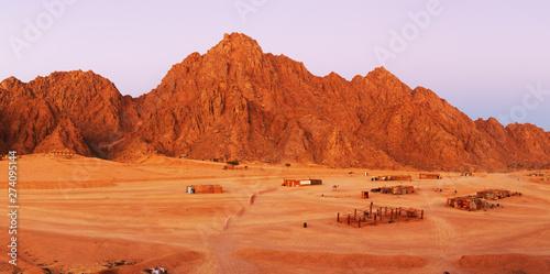 Foto auf AluDibond Ziegel Red rocks on Sinai