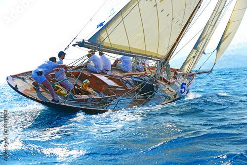 Cuadros en Lienzo  Yacht d'epoca in regata.