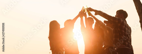 Canvas Print Six young entrepreneur gathering together toast for success in business start up