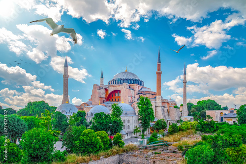 Stampa su Tela Sunny day architecture and Hagia Sophia Museum, in Eminonu, istanbul, Turkey