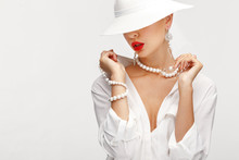 Beautiful Girl In An Elegant W...