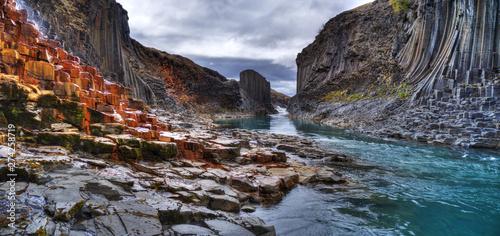 Poster de jardin Gris traffic Studlagil basalt canyon, Iceland